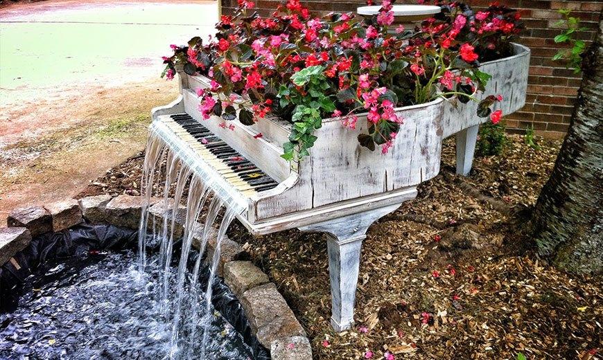 Оригинальный фонтан рояль
