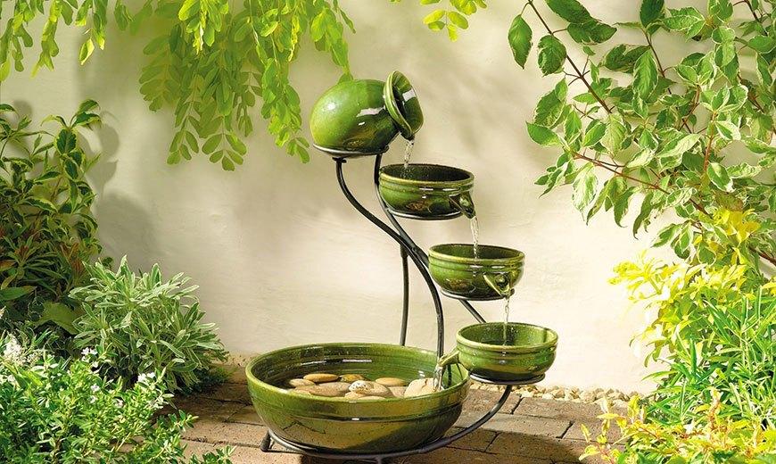 Маленький фонтанчик в японском стиле