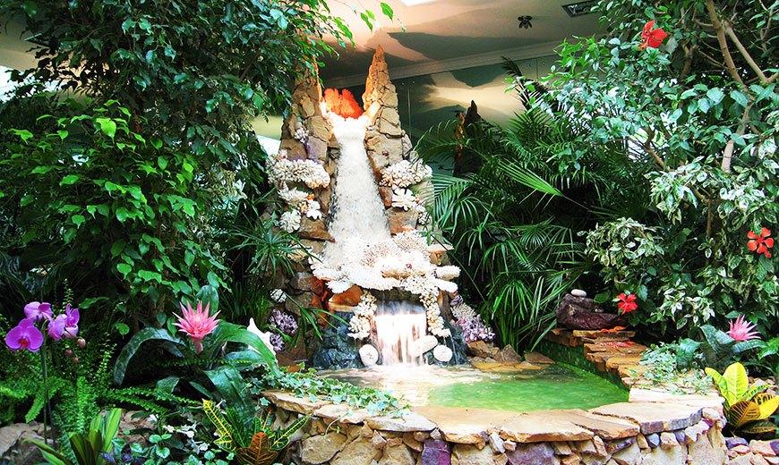 Водопад в зимнем саду
