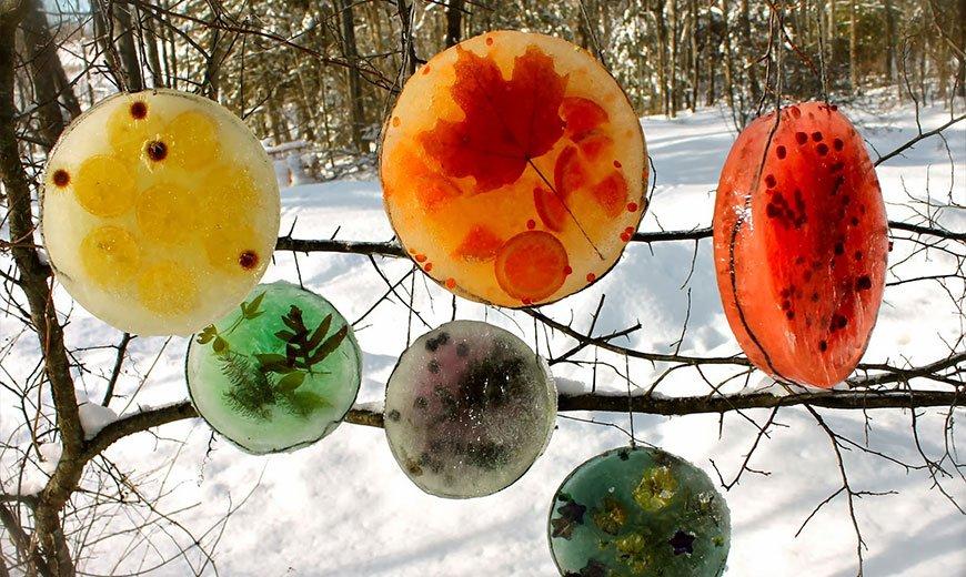 Ледяные игрушки для сада