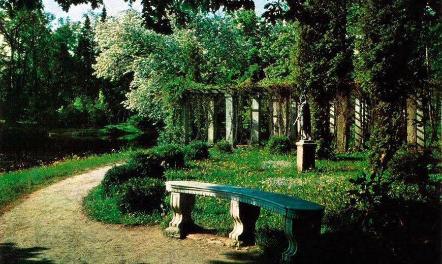 Старинные садовые скамейки