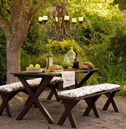Садовые скамейки для семейного обеда