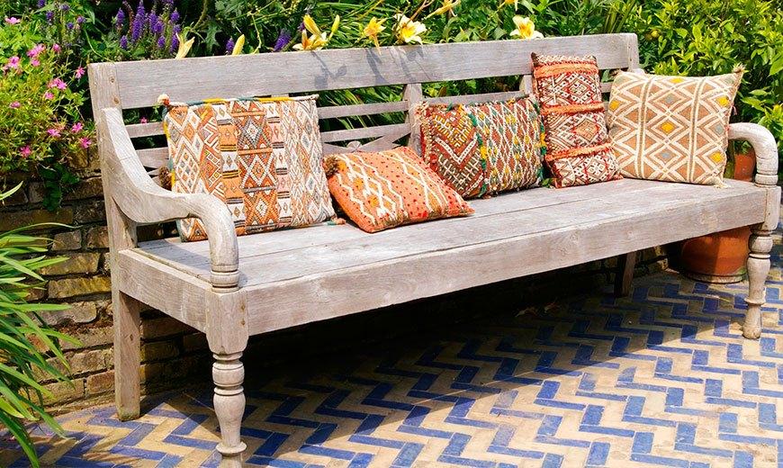 Релаксационная садовая скамейка