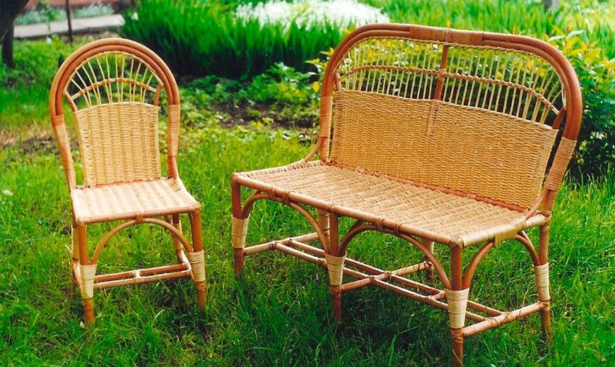 Садовые скамейки из лозы