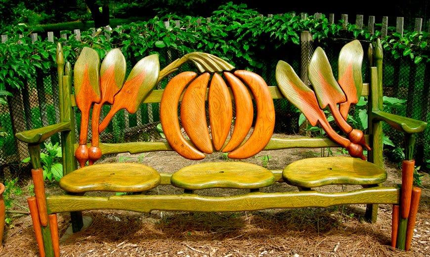 Необычная садовая скамейка